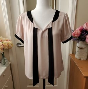 Forever 21 Cream and Black Bow Tie Blouse - M